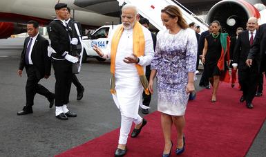 La Canciller Ruiz Massieu en el arribo del Primer Ministro de India Narendra Modi en el hangar presidencial