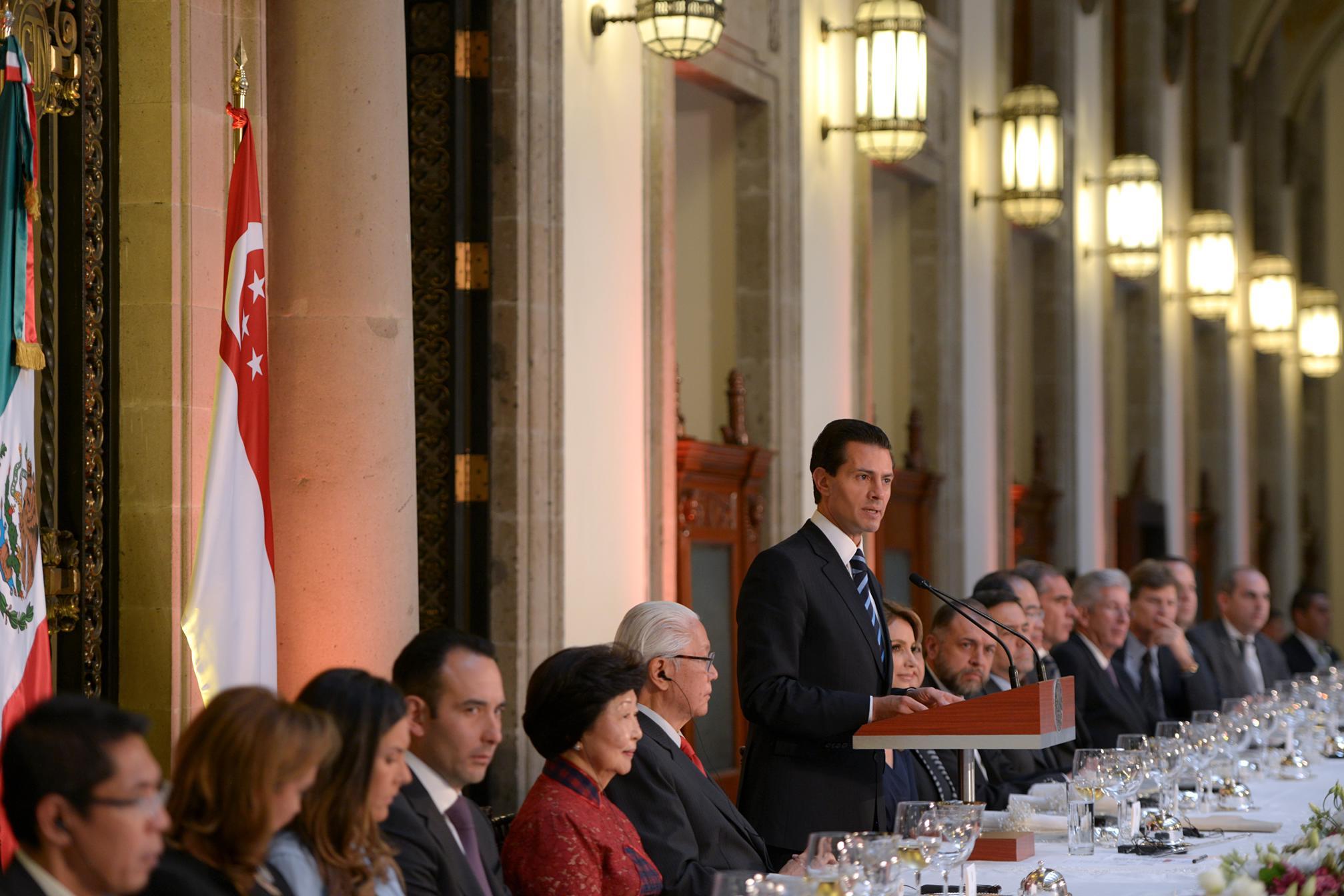 """""""Quiero afirmar que la amistad entre Singapur y México tienen por delante un futuro prometedor, de crecientes intercambios, de colaboración en favor de la comunidad internacional"""": EPN"""