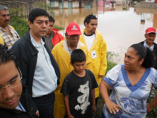 """Brigadas de Sedesol recorren las zonas siniestradas por la tormenta tropical """"Barry"""" como parte de los trabajos que realizaron conjuntamente los tres órdenes de gobierno en el estado de Veracruz"""