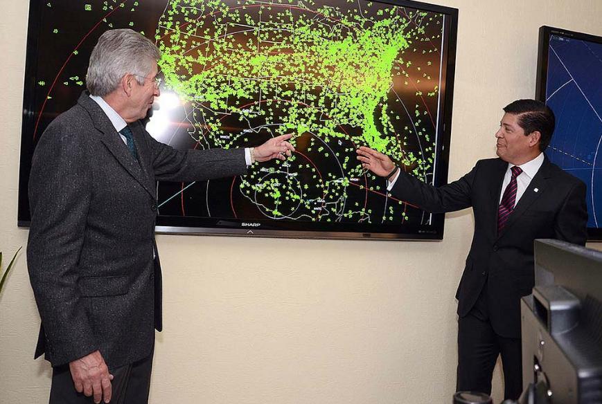 El Secretario de Comunicaciones y Transportes, Gerardo Ruiz Esparza, inauguró el Centro de Control de Tránsito Radar México y los sistemas de regulación de tránsito aéreo y de operación técnica