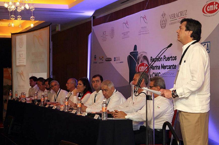 El coordinador general de Puertos y Marina Mercante dijo que este sector se fortalecerá con la modernización de su infraestructura