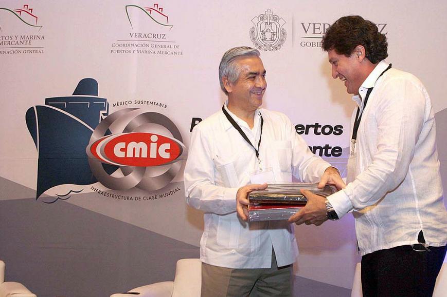El Subsecretario de Transporte dijo que se planea desarrollar nodos a lo largo del territorio nacional y multiplicar corredores para conectar en forma eficiente a México