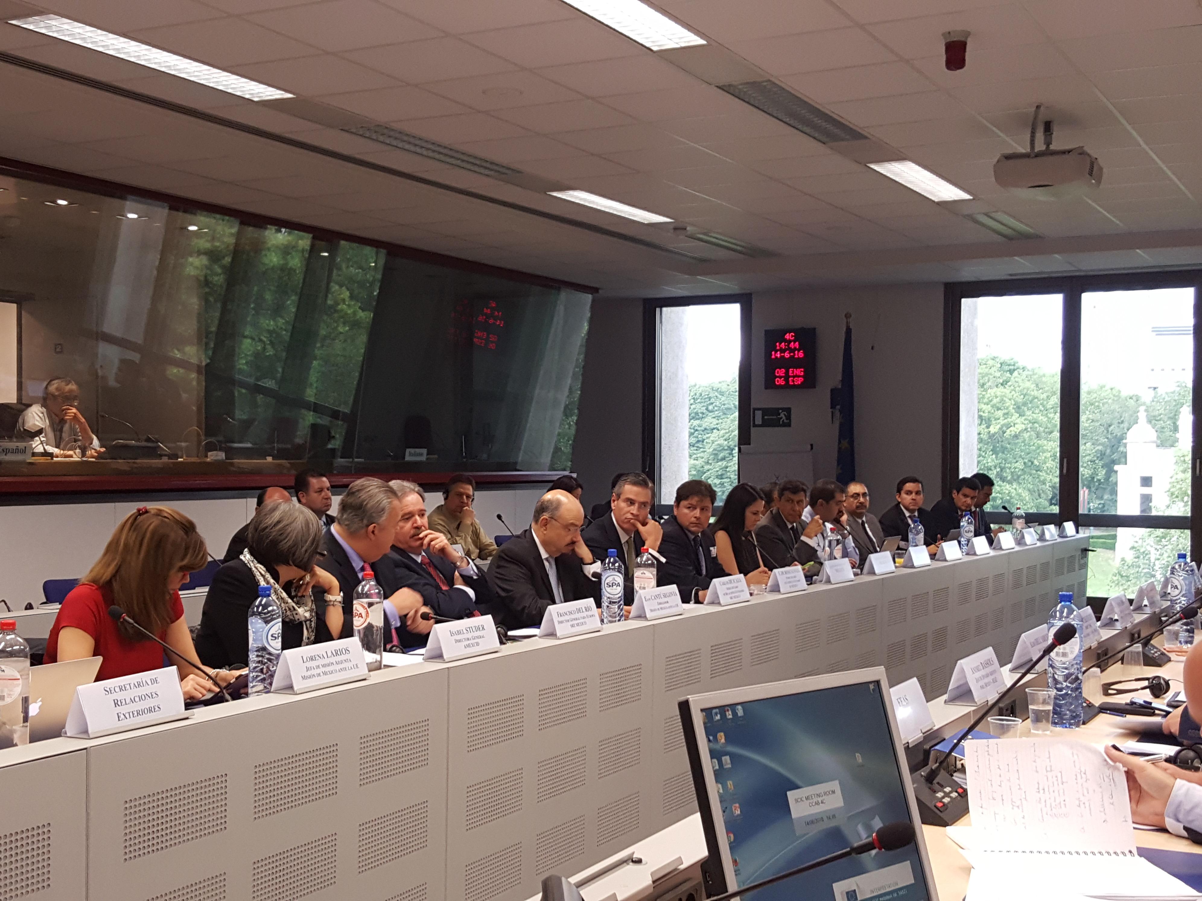 Se reunieron en Bruselas delegaciones de México y de la Unión Europea para la primera ronda de negociaciones con el fin de actualizar el Acuerdo de Asociación Económica, Concertación Política y Cooperación