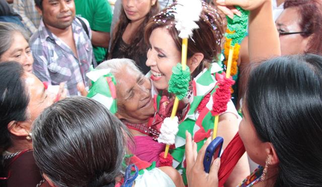 Supervisa aciones de la CNCH la secretaria de Desarrollo Social Rosario Robles Berlanga que  se llevan a cabo en Mártir de Cuilapan, Guerrero