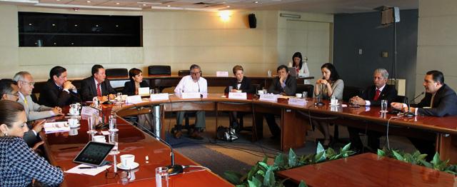 Se reune Rosario Robles Berlanga  con los integrantes de la Comisión Especial de los Programas Sociales de la Cámara de Diputados.