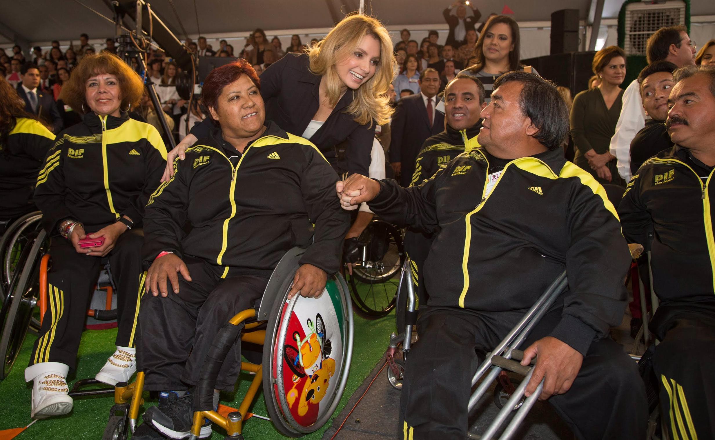 Angélica Rivera de Peña, dijo que el Presidente Enrique Peña Nieto trabaja para lograr el México Incluyente y de derechos que las personas con discapacidad merecen.