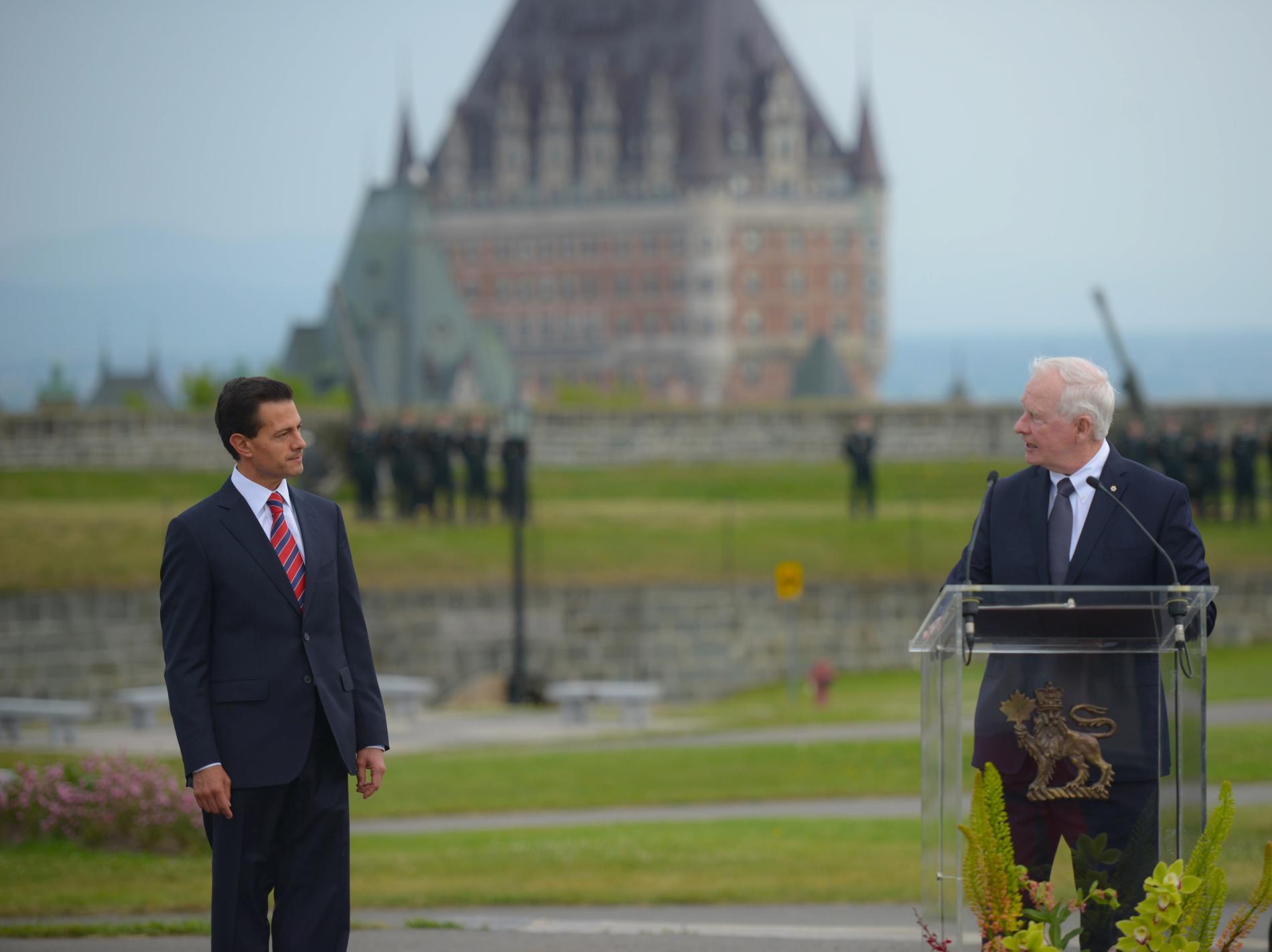 """""""Los lazos entre nuestros pueblos son la base de nuestra antigua amistad, que también son la clave de nuestro futuro y nuestra prosperidad"""": David Johnston, Gobernador General de Canadá."""