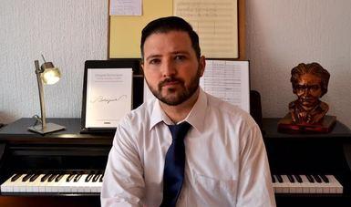 Con apoyo del PECDA, el compositor Alfonso Molina trabaja en versos del poeta sonorense