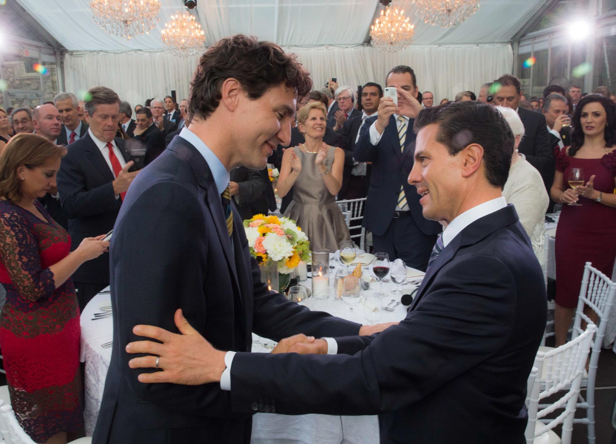 """""""Reconozco en el Primer Ministro, a un líder que enarbola los valores que han distinguido a esta gran Nación en el mundo: apertura, igualdad y el respeto a los derechos humanos"""": EPN"""