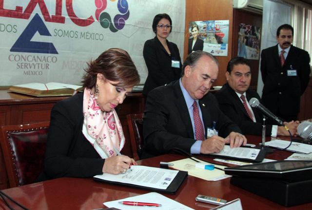 Queremos participar activamente en la Cruzada, responde el presidente de la Confederación Jorge Dávila Flores.