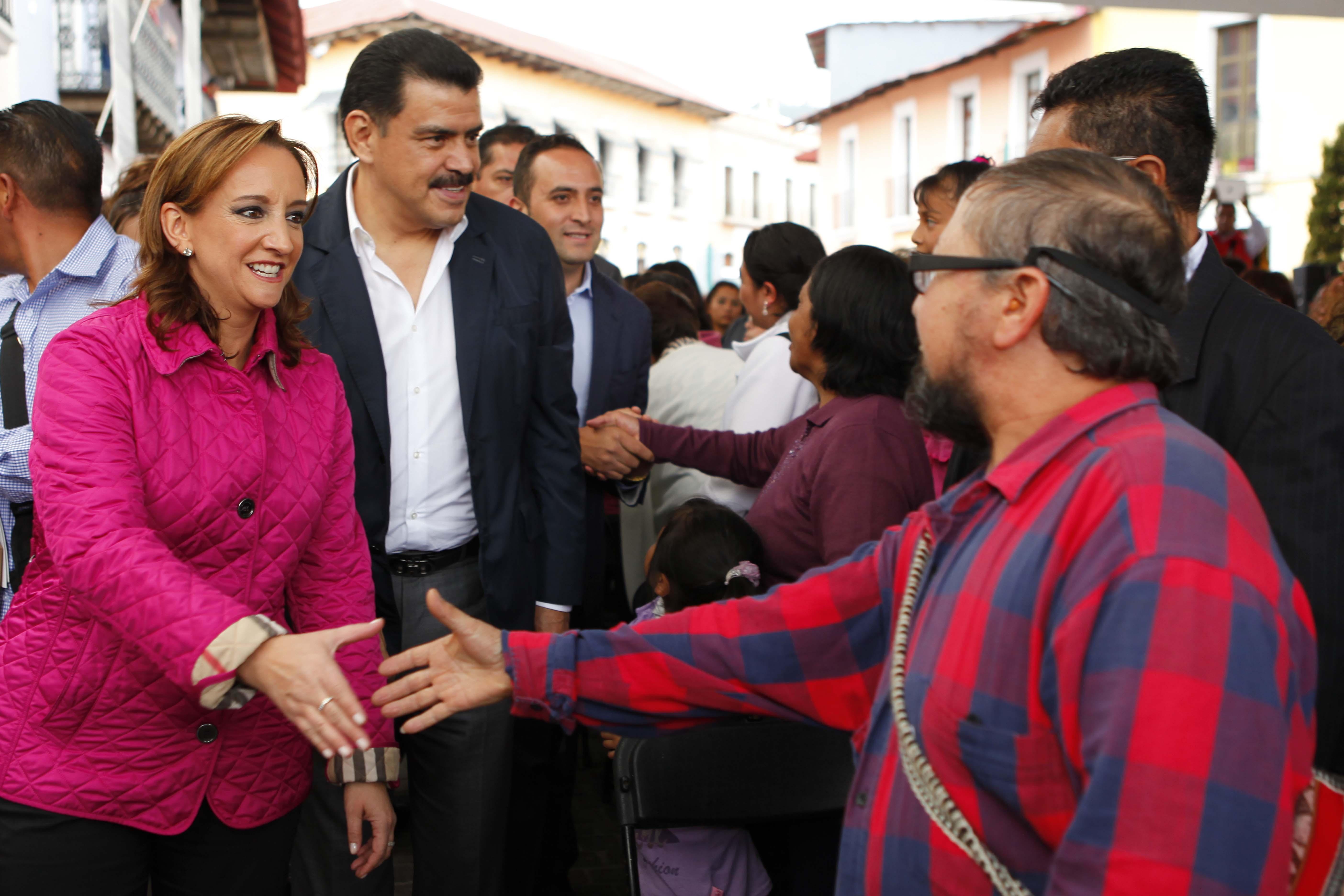 Claudia Ruiz Massieu, Secretaria de Turismo, entrega obras en Real del Monte, Hidalgo.