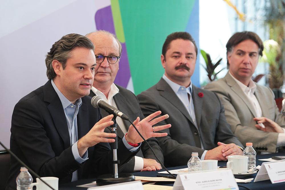 Se impulsa la capacitación y profesionalización continúa del magisterio, con una inversión de más de mil 800 millones de pesos