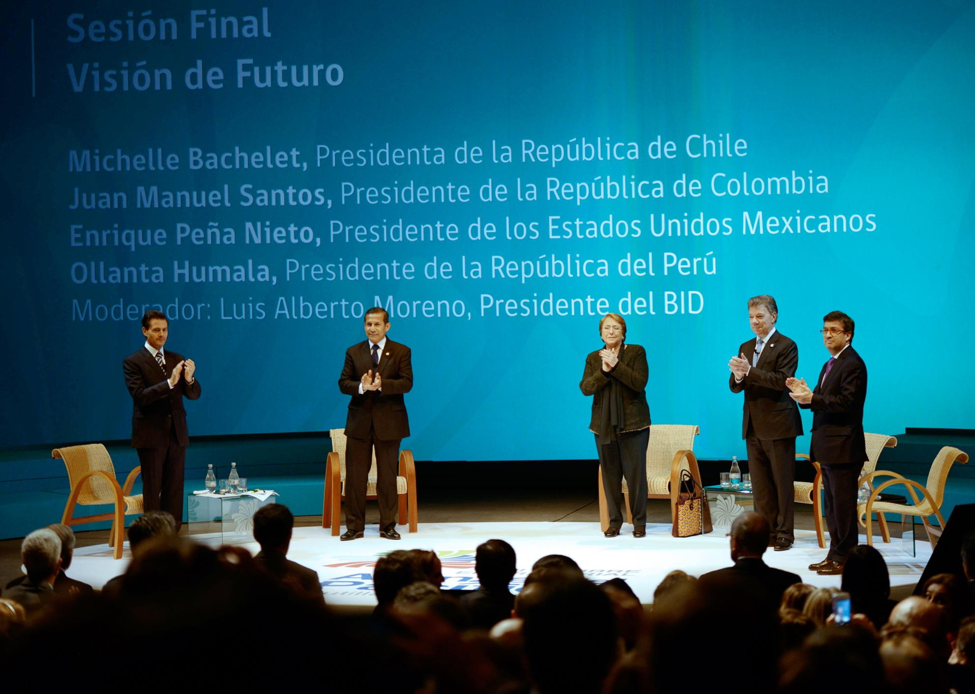 "The president participated in the final session of the Third Business Summit ""Vision of the Future, Pacific Alliance Presidents"" together with his counterparts from Chile, Colombia and Peru."