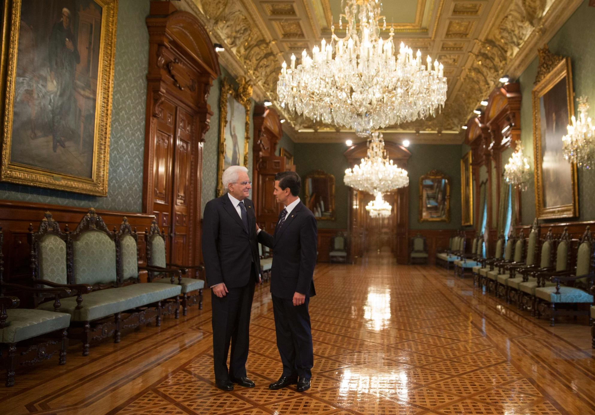 President Peña Nieto also expressed his solidarity with the Italian people, particularly with the relatives of the citizens of that country who lost their lives in the terrorist attack in Bangladesh a few days ago.