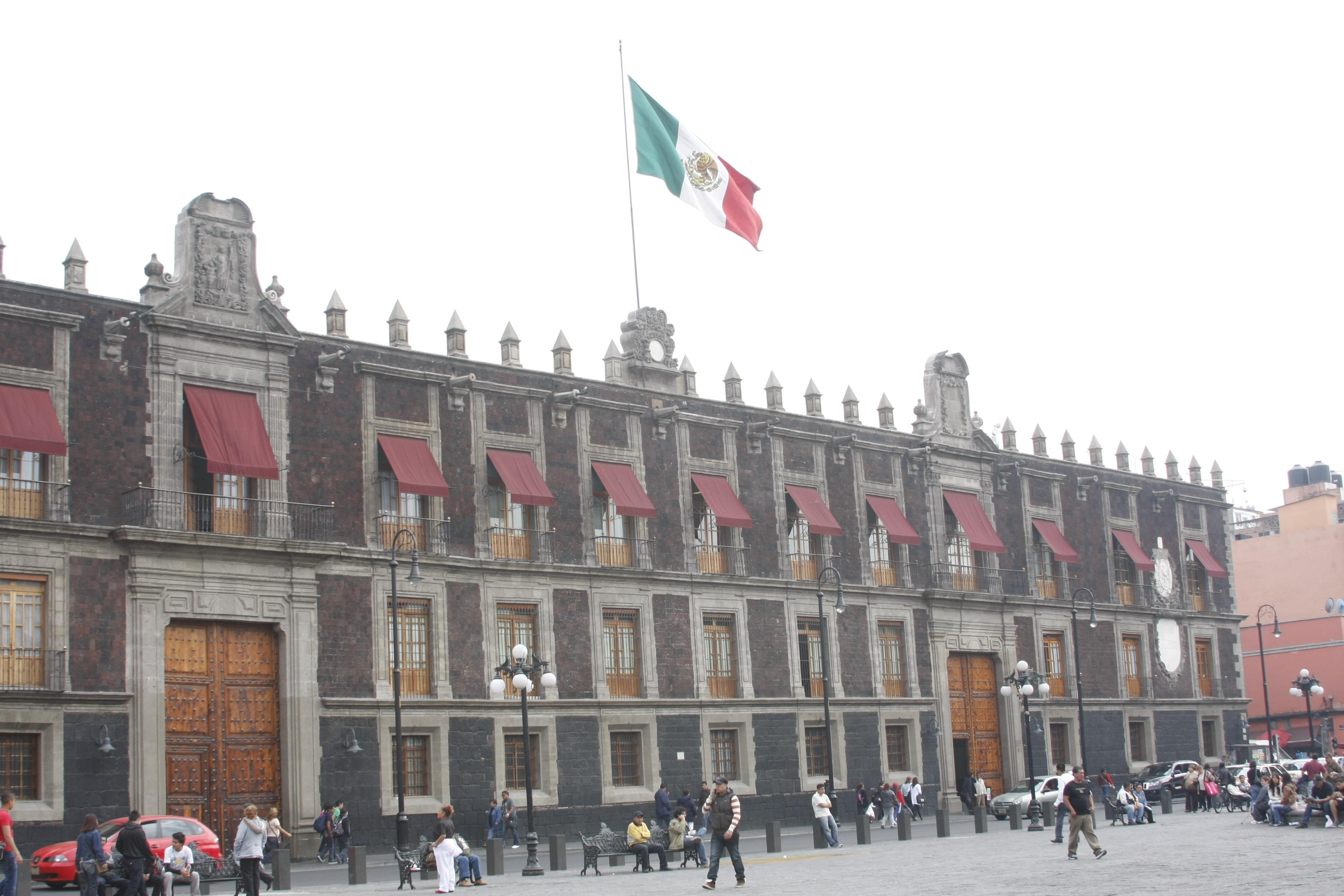 El Secretario de Educación Pública, Emilio Chuayffet Chemor, designó como Coordinadora Nacional de Becas de Educación Superior (CNBES), a Mercedes Hernández de Graue.