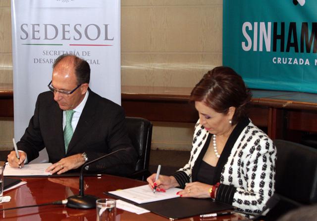 Se firma el Convenio de Colaboración Sedesol-Un Kilo de Ayuda, A. C. para erradicar la desnutrición infantil.