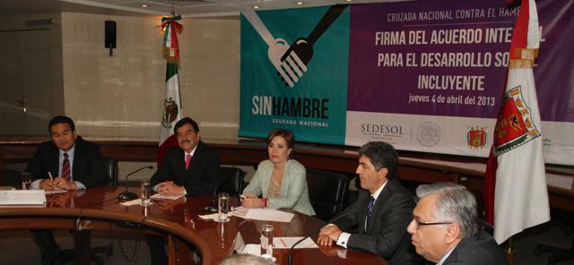 Se firman los Acuerdos para el Desarrollo Social Incluyente – Cruzada Nacional Contra el Hambre, con los gobernadores de Aguascalientes, San Luis Potosí y Tlaxcala.