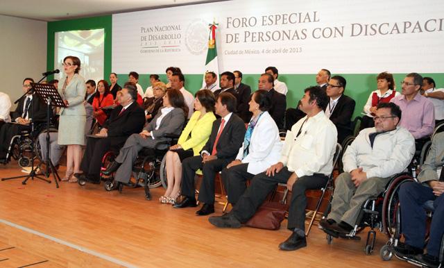 Rosario Robles participa en el Foro Especial de Consulta del PND 2013-2018 organizado por el Conadis.