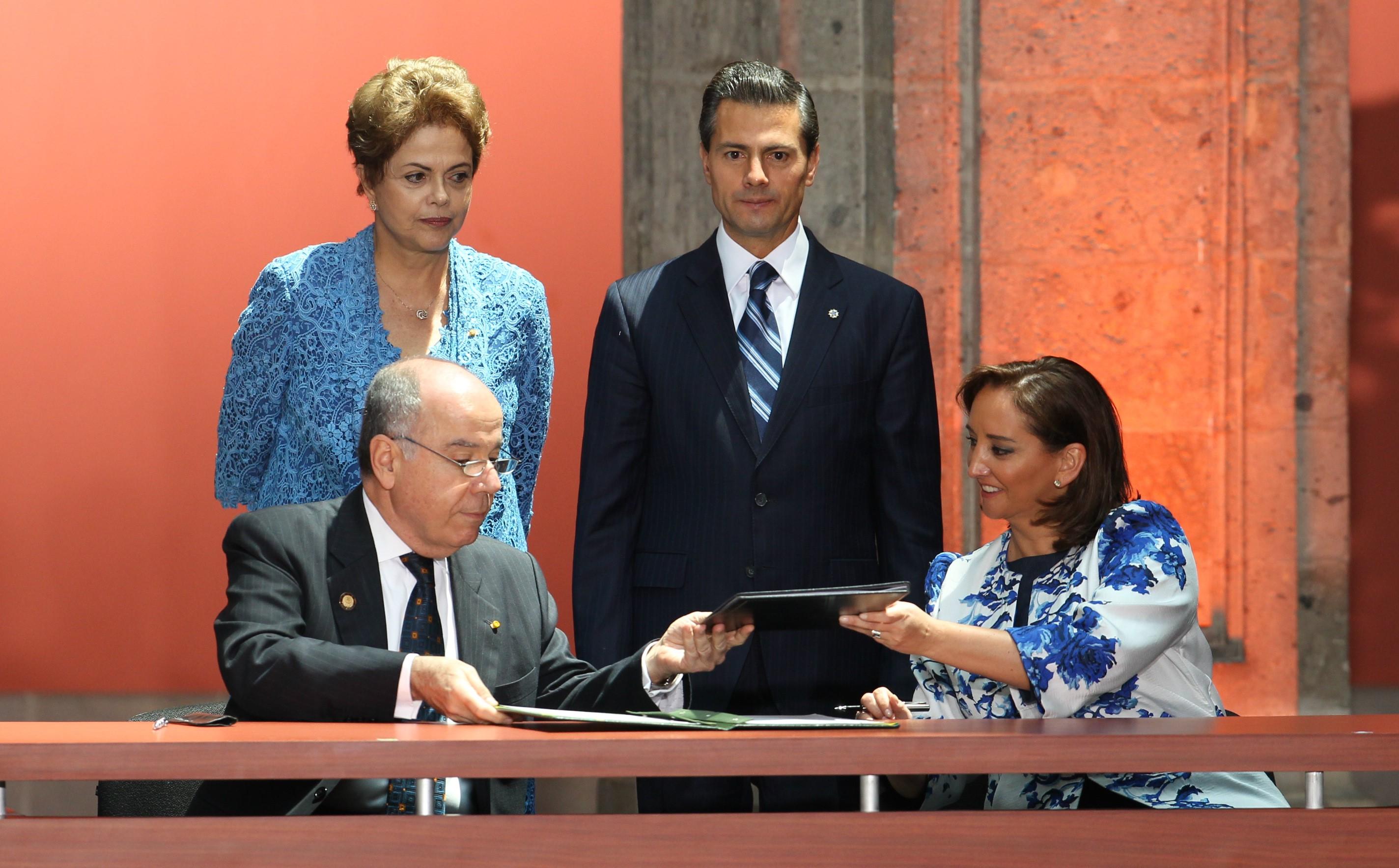 Claudia Ruiz Massieu, y el Ministerio de Turismo de Brasil Enrique Eduardo Alves, firmaron el Memorándum de Entendimiento en materia turística.