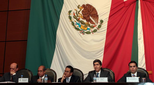 A invitación de la Comisión de Desarrollo Social de la Cámara de Diputados, los subsecretarios de la Sedesol, Ernesto Nemer, Juan Carlos Lastiri y Javier Guerrero, sostienen una reunión de trabajo.