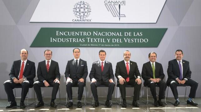 EPN en el encuentro Nacional de las Industrias Textil y del Vestido.