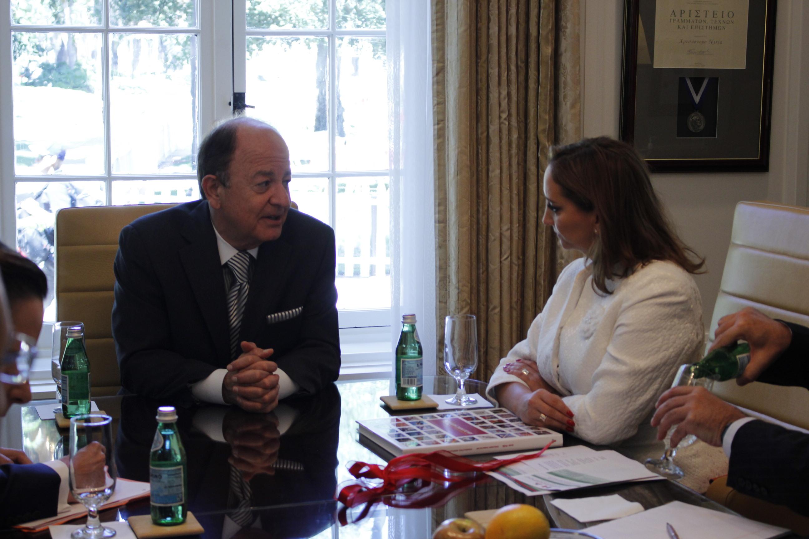 La Secretaria Ruiz Massieu sostuvo un encuentro con Max Nikias el Presidente de la Universidad del Sur de California