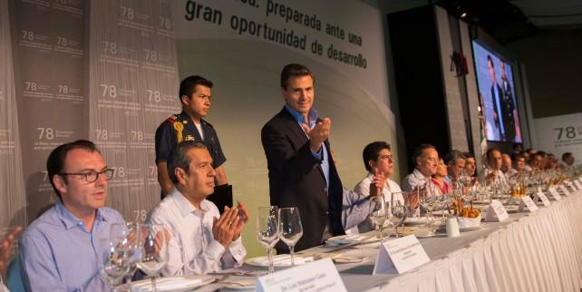 EPN en la clausura de la 78ª Convención Bancaria, en el puerto de Acapulco.