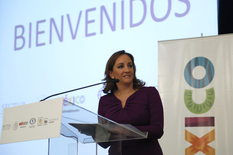 La Secretaria de Turismo, Claudia Ruiz Massieu, asistió a la representación presidencial al XLII Aniversario del Día del Agente de Viajes y el LXIX Aniversario de la Asociación Mexicana de Agencias de Viajes (AMAV).