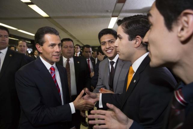 EPN en la ceremonia oficial de Clausura del 50 Aniversario de la Universidad Anáhuac.