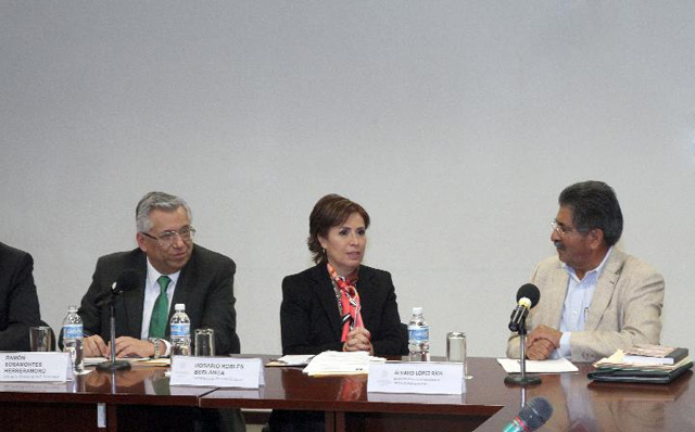 Dirigentes de la Unión Nacional de Trabajadores Agrícolas (UNTA) acuerdan con la Secretaria de Desarrollo Social, Rosario Robles Berlanga, participar activamente en la Cruzada Nacional Contra el Hambre.