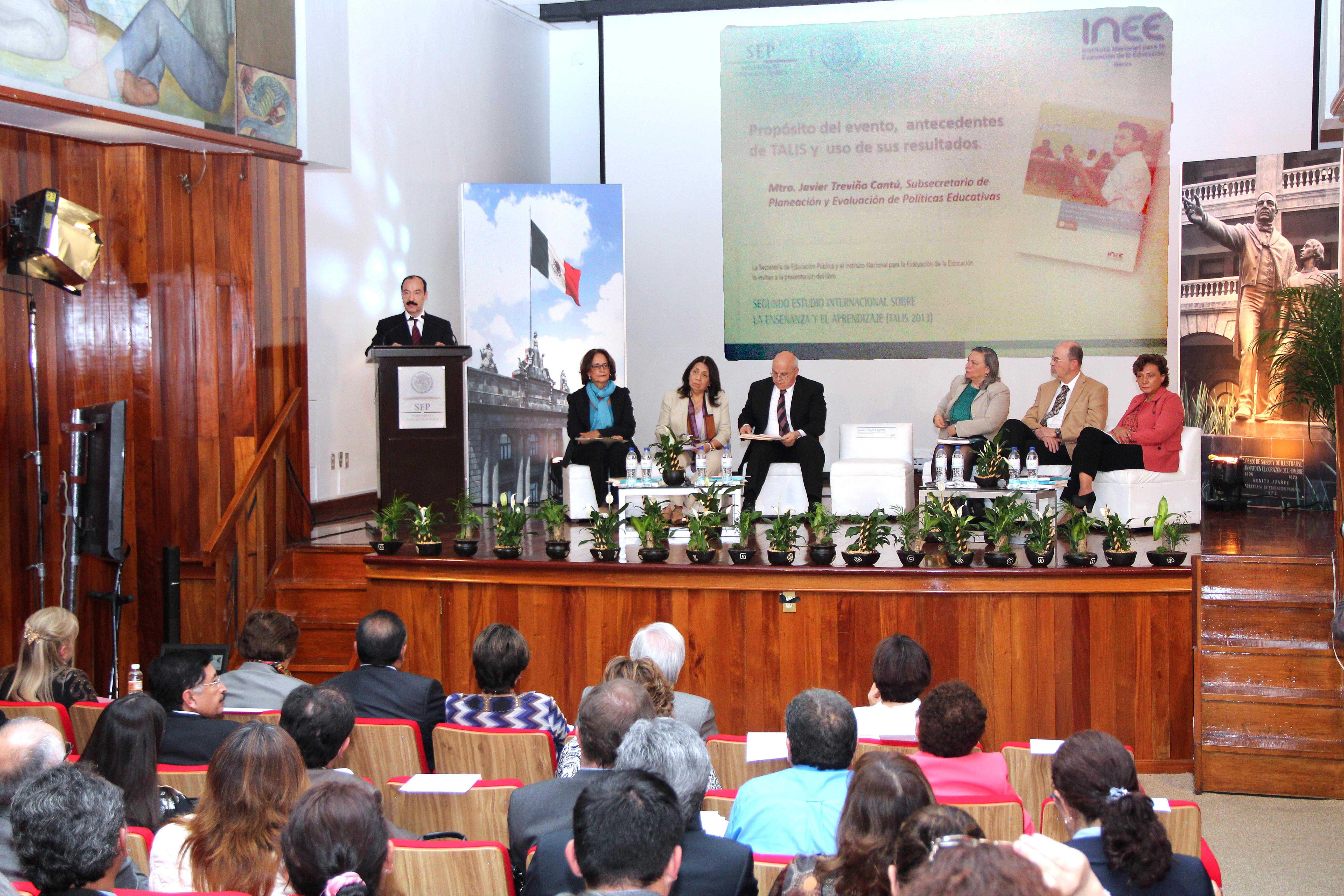 Presentan SEP e INEE los resultados que obtuvo México en el Estudio Internacional sobre la Enseñanza y el Aprendizaje 2013 (TALIS) de la OCDE.