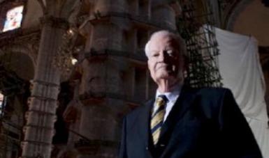 El miembro honorario de The American Institute of Architects dirigió más de 80 obras de restauración monumental; fue autor de 16 conjuntos urbanos y de 60 obras contemporáneas