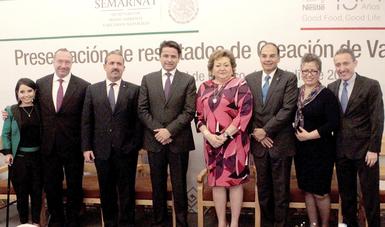 Ochoa Fernández reconoció a Nestlé por sus acciones en materia de cuidado de agua y de reducción de residuos orgánicos.