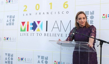 "La Canciller Claudia Ruiz Massieu en la inauguración de ""MEX I AM"" Live it to Belive it San Francisco 2016."