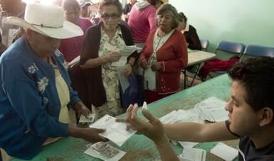 En culiacan se entregan apoyos del Programa 65 y Más