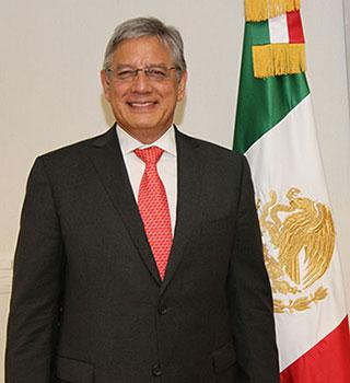 Carlos Flores Rico.