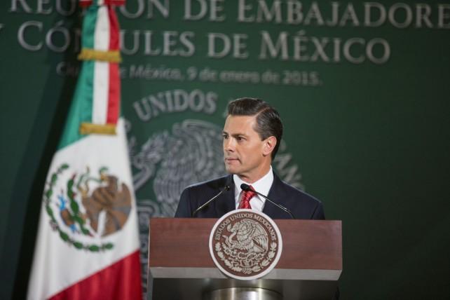 EPN en su discurso durante la 26ª Reunión de Embajadores y Cónsules.