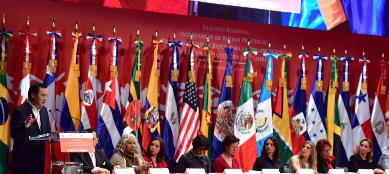 El Secretario de Gobernación, Miguel Ángel Osorio Chong, en la inauguración del Diálogo Regional Intercambio de Buenas Prácticas: Desafío y Nuevos Retos para la Erradicación de la Violencia contra las Mujeres