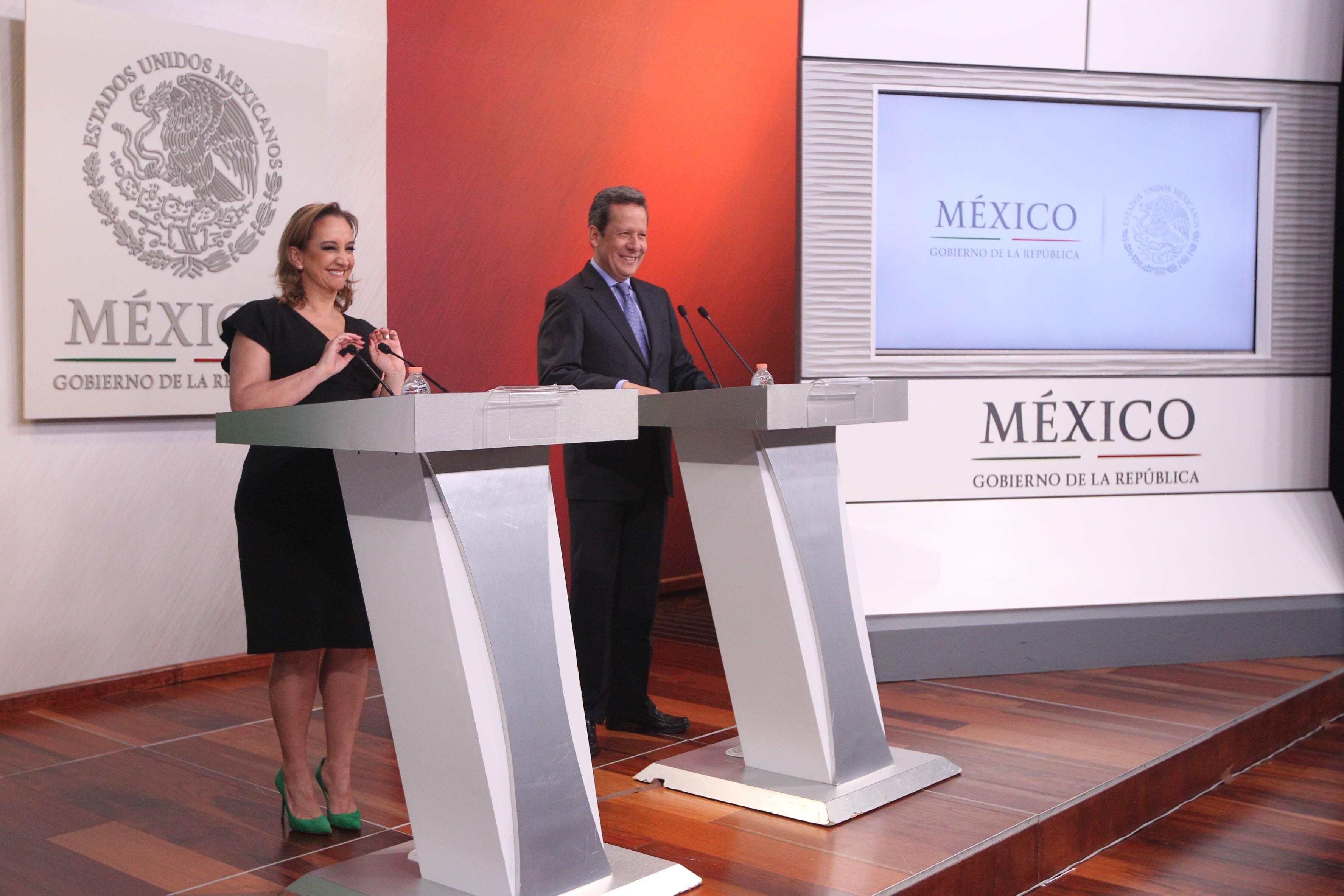 La Canciller Claudia Ruiz Massieu y el Coordinador de Comunicación Social y Vocero del Gobierno de la República Eduardo Sánchez Hernández