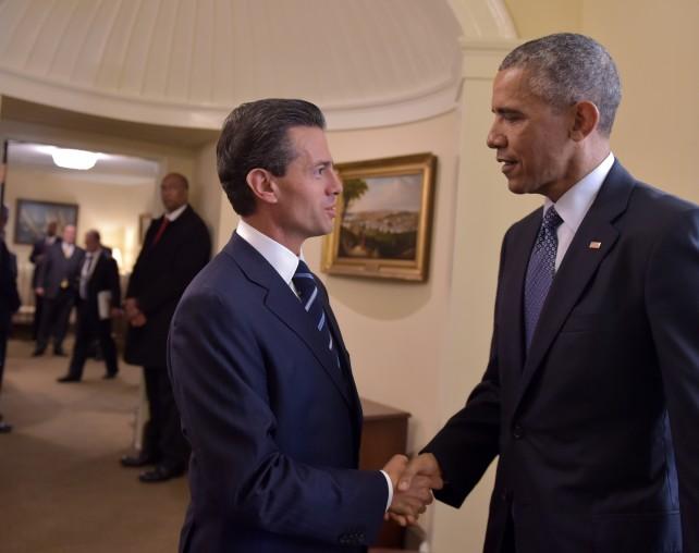 Presidente Enrique Peña Nieto saluda al Presidente Barack Obama al llegar a la Casa Blanca.