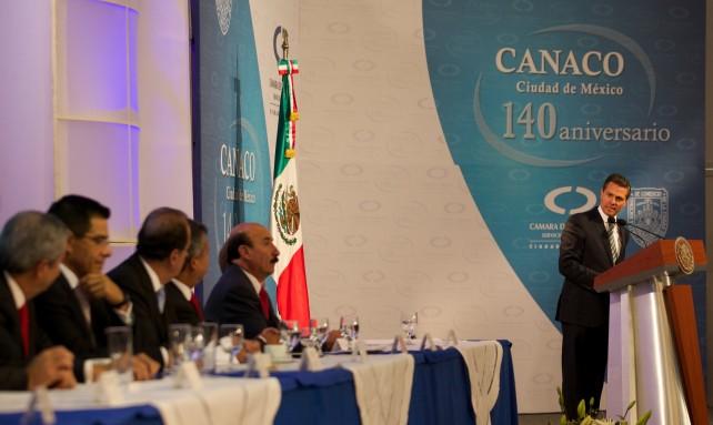EPN durante su participación en la conmemoración del 140º aniversario de la Cámara Nacional de Comercio, Servicios y Turismo de la Ciudad de México.