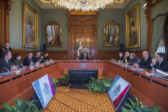 El Primer Mandatario exhortó a su Gabinete a trabajar para poner la totalidad de las reformas en acción.