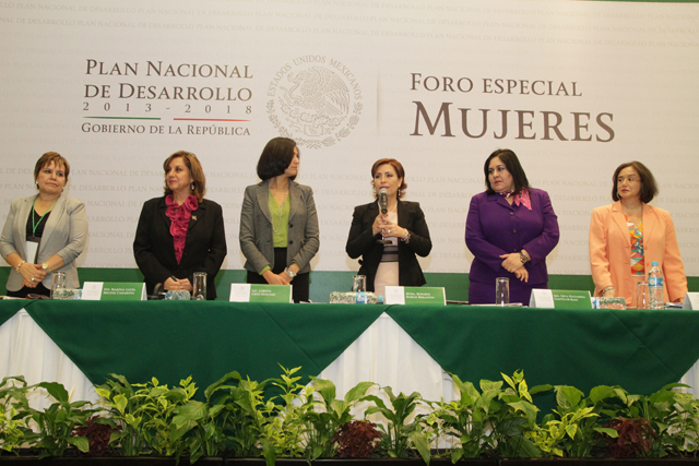 """Inaugura RRB el Foro Especial """"Mujeres"""", en el marco de las consultas para la Integración del Plan Nacional de Desarrollo 2013-2018"""