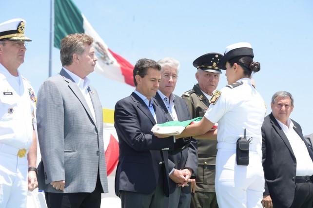 EPN encabeza la ceremonia de conmemoración del Día de la Marina.