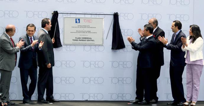 Inauguración de Centro Comercial Toreo en Naucalpan