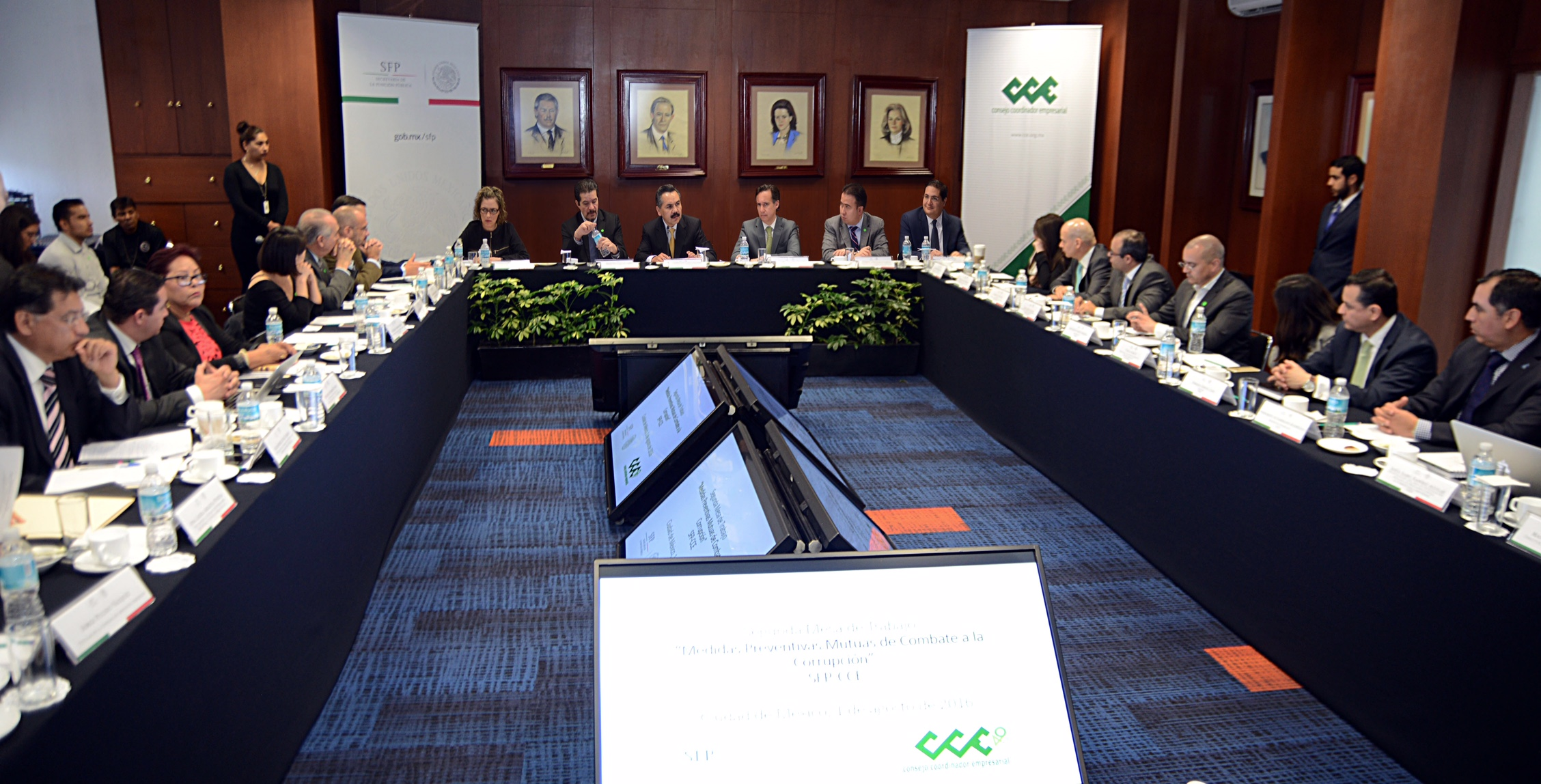 SFP y CCE acuerdan medidas para prevenir la corrupción y promover la participación ciudadana