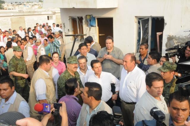 La secretaria de Desarrollo Social acompañó al Presidente Enrique Peña Nieto en un recorrido por la zona dañada.