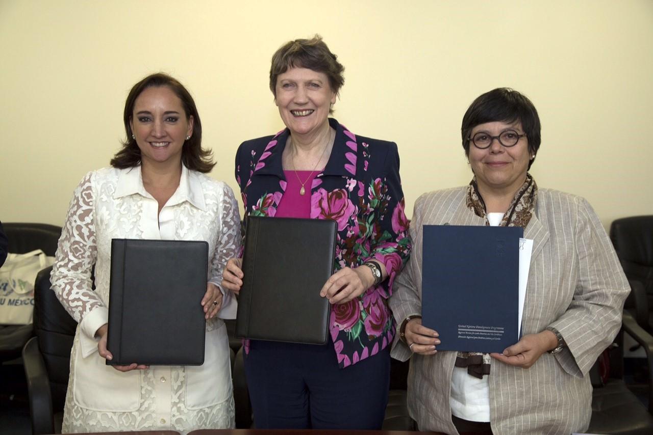 Reunión con las Sras. Helen Clark, Administradora del Programa de las Naciones Unidas para el Desarrollo (PNUD) y Lakshmi Puri, Directora Ejecutiva Adjunta de ONU Mujeres, en Nueva York.