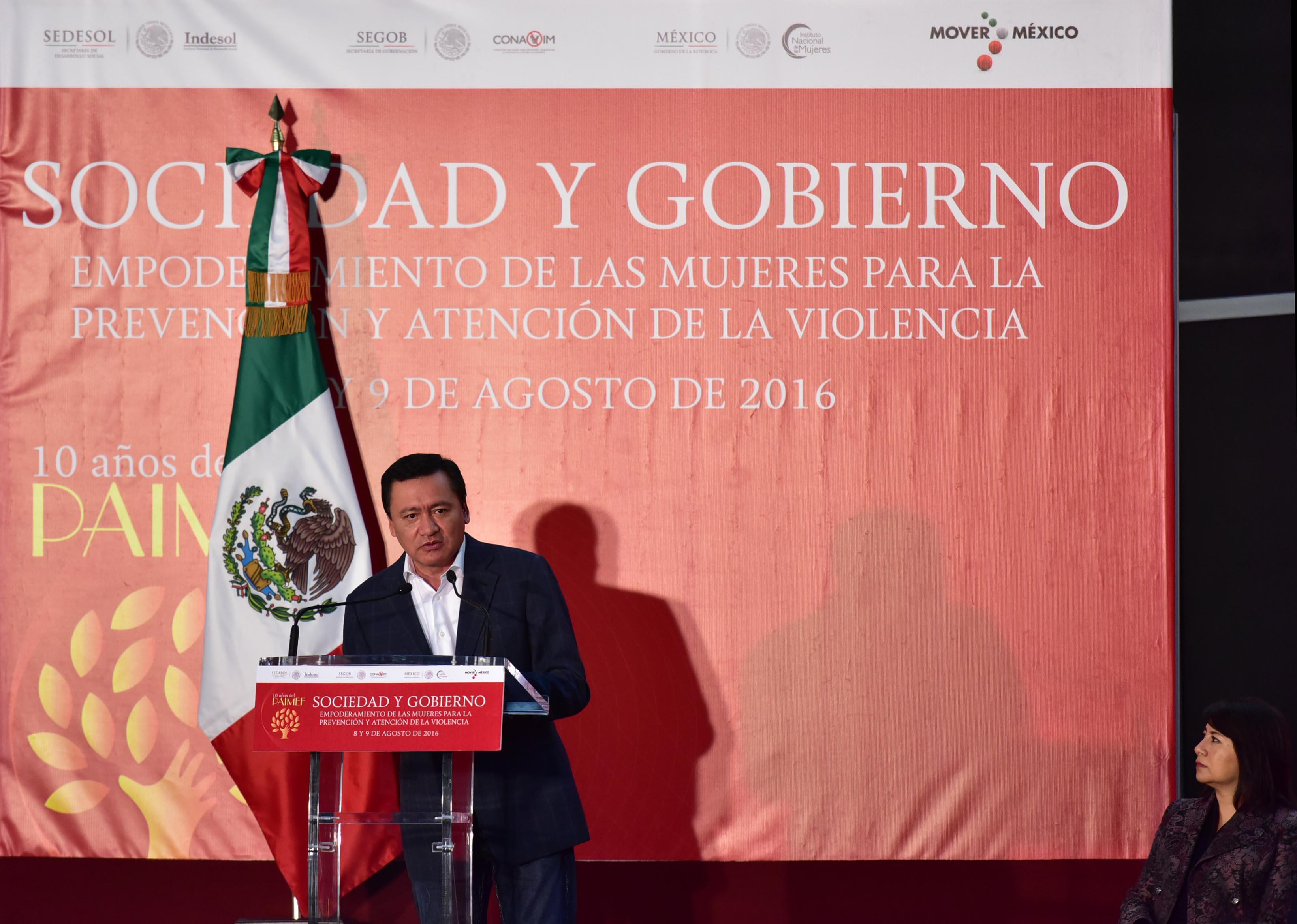 El Secretario de Gobernación, Miguel Ángel Osorio Chong, durante la clausura del foro Sociedad y Gobierno: Empoderamiento de las Mujeres para la Prevención.