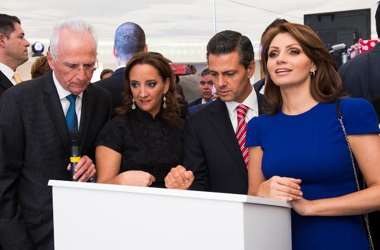 Acompañado por la Secretaria de Turismo, Claudia Ruiz Massieu, el Presidente de la República recorrió instalaciones del Pabellón Encuéntrate con México.